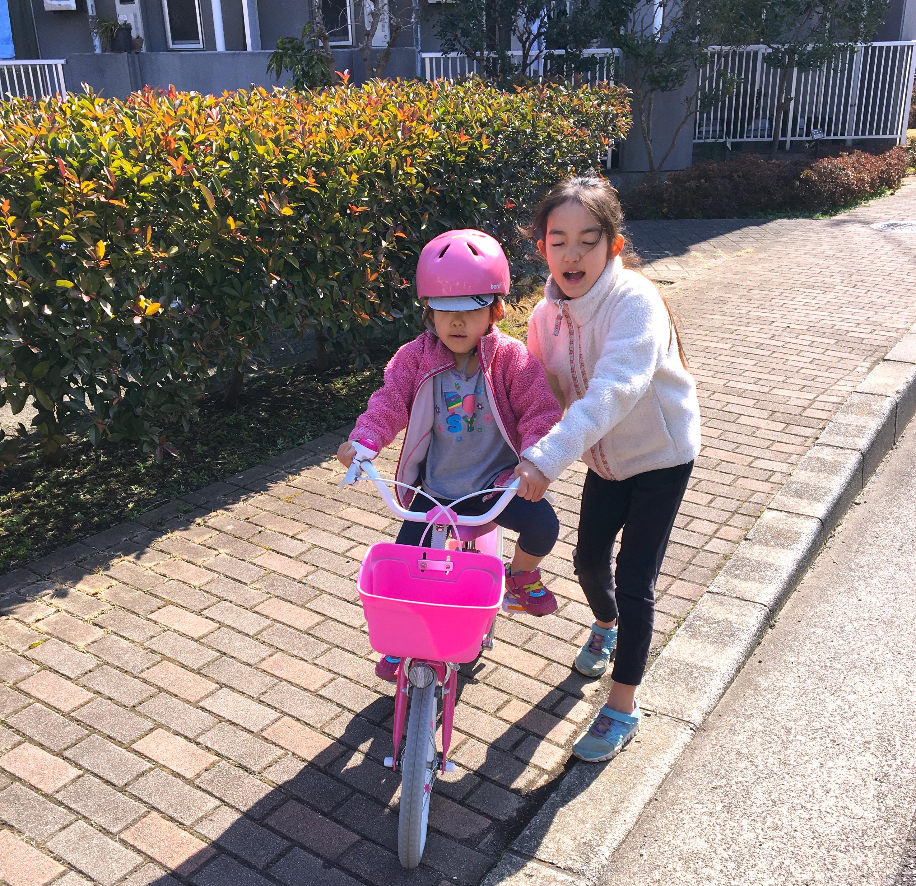 次女の自転車初乗りと子ども会ボウリング大会の休日