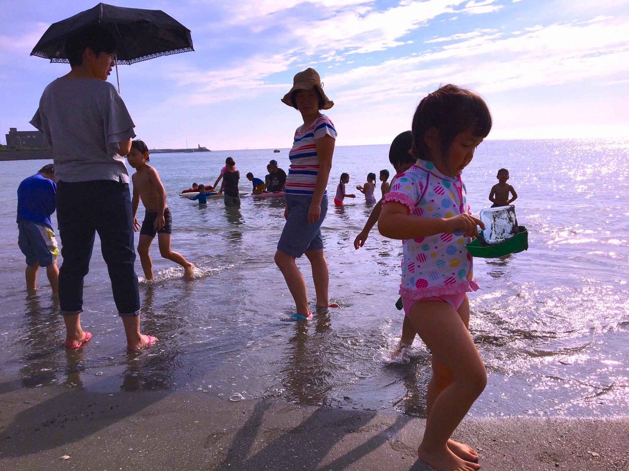 金曜日の逗子海岸は「海の子ども会」〜日本一のファミリービーチへ