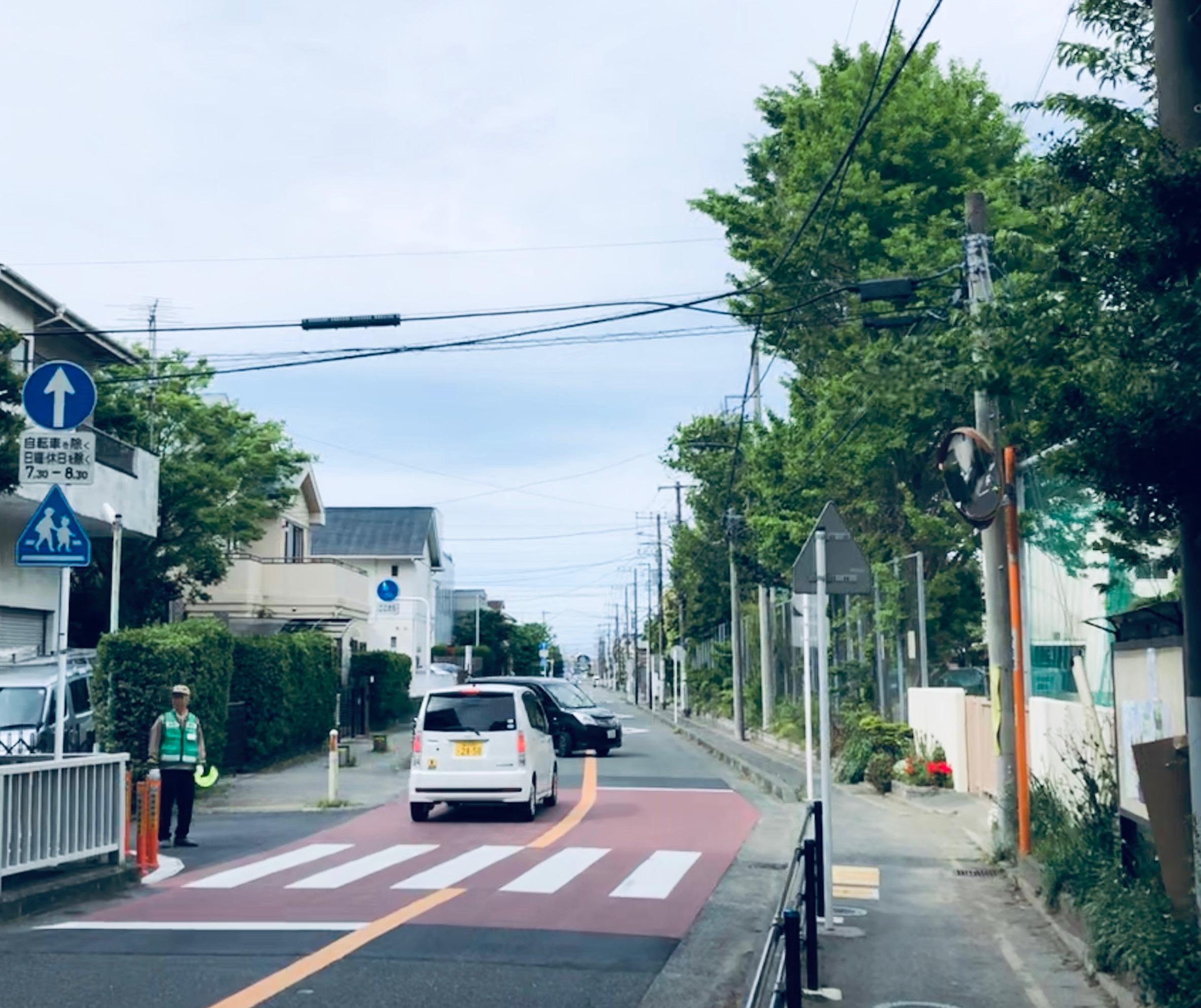 見通しがよいからといって安心できない交差点。